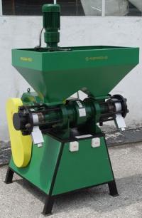 Машина за гранулиране на храна за животни