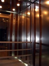 Доставка и монтаж на асансьорни уредби