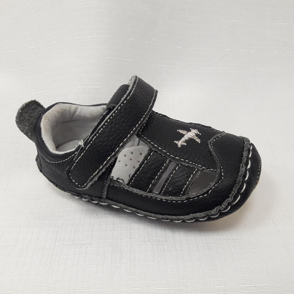 Черни бебешки буйки от естествена кожа.