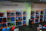 фирма за стелажи за детски столчета за кола