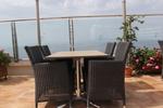 Елегантни маси и столове ратан за кафене