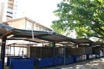 изработване на метален навес за пазарен павилион