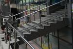 метален парапет за стълбище