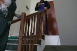 монтаж на дървен парапет