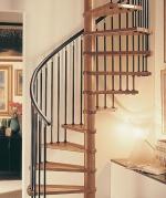 Интериорни дървени стълбища по поръчка