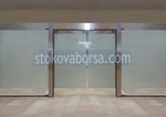 стъклени врати с две отварящи се крила
