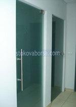стаклена врата са једним крилом на захтев