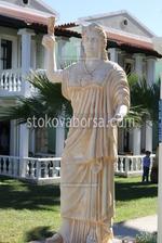 Изработка на статуи на жени от полимер бетон