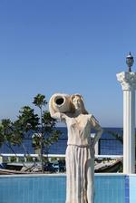 Статуи с жени от полимер-бетон