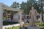 Изработка на статуи на мъже от полимер бетон