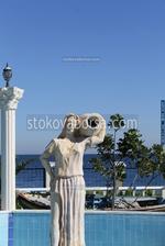 Статуя на жена по клиентска заявка от полимер-бетон