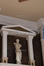 Изработка на статуя на жена по поръчка от полимер-бетон