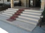 Изработка на стълби, облицовани с травертин
