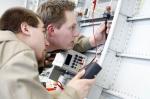 монтиране на промишлена силова инсталация