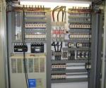 монтиране на промишлени контролери