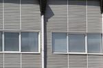 монтаж на сайдинг облицовки на производствени сгради