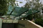 изграждане на плоски навеси от поликарбонат за обществени сгради