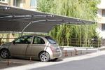 навес от метал с опъната плътна мрежа за много автомобили