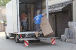 хамали за качване на товари в камион